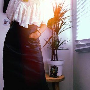 Amazing Vintage Black Leather Pencil Skirt